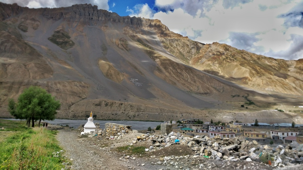 Walk to the Spiti river