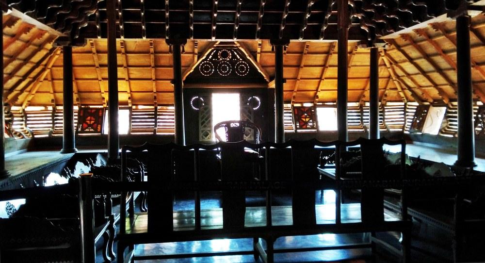 council-chamber-padmanabhapuram-palace
