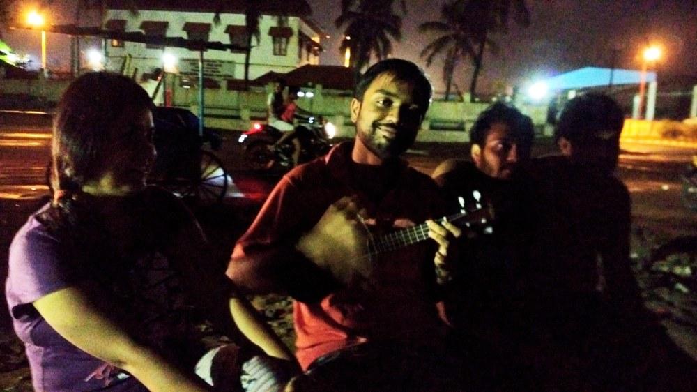 sangamukham-beach-with-trivandrum-hosts